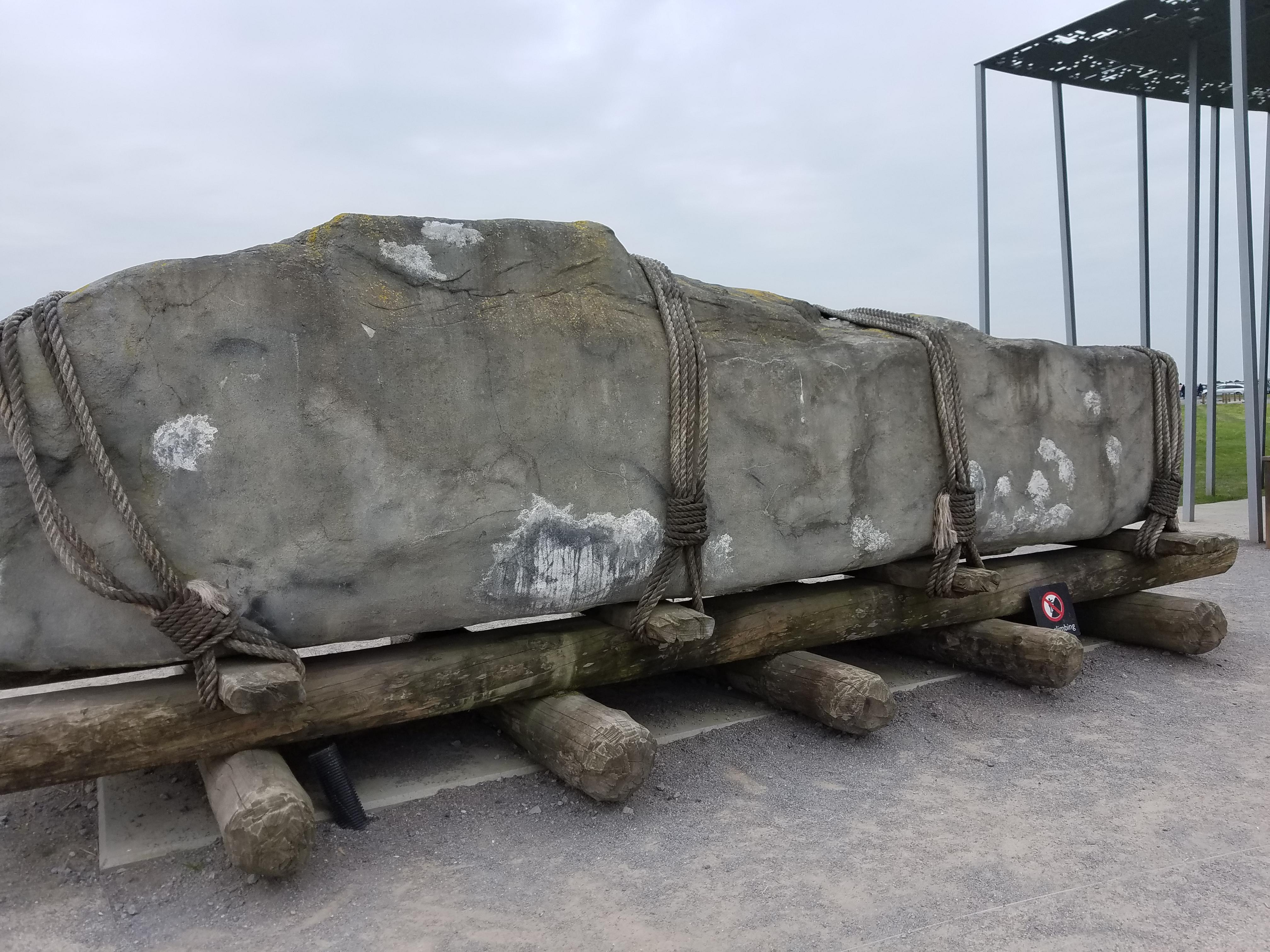 stonehenge rocks