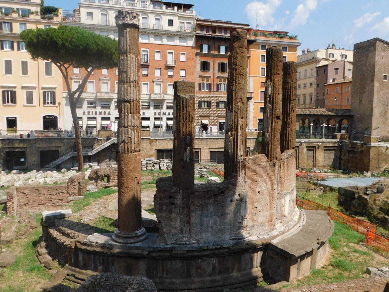 julius caesar ruins rome