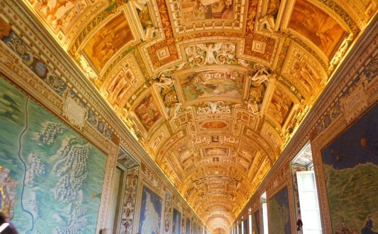 maps-hall-ceiling.jpg