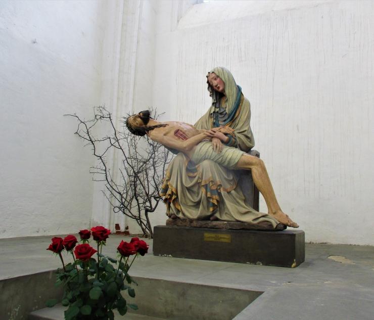 pieta sculpture mariacka gdansk