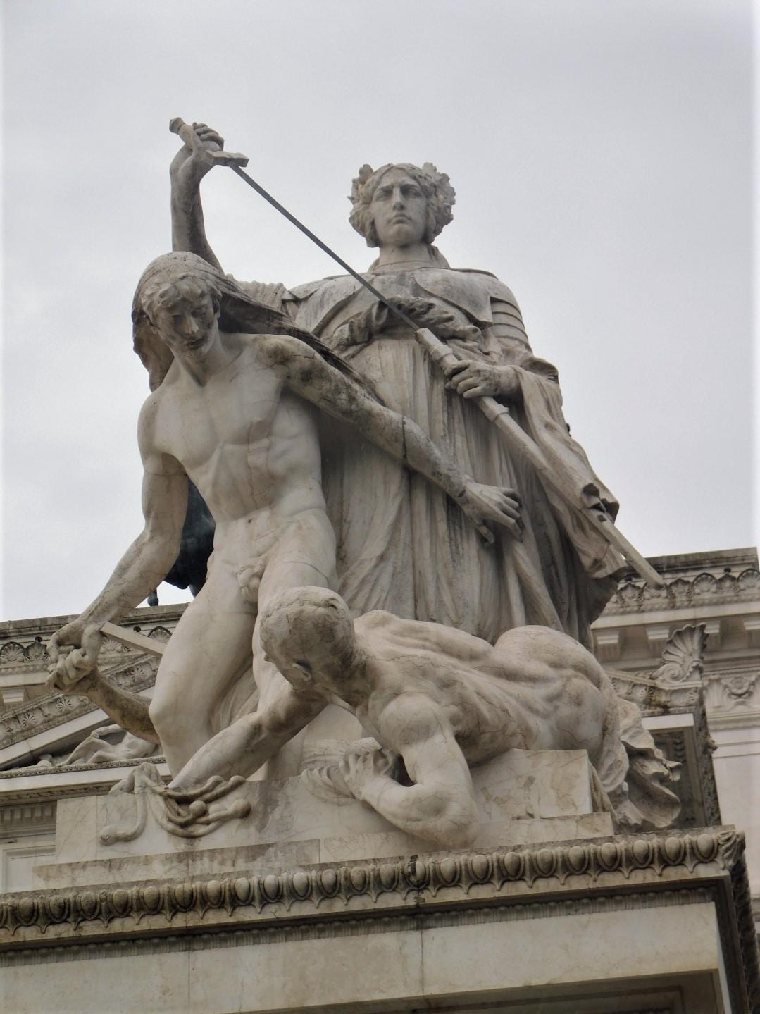 statue altare della patria